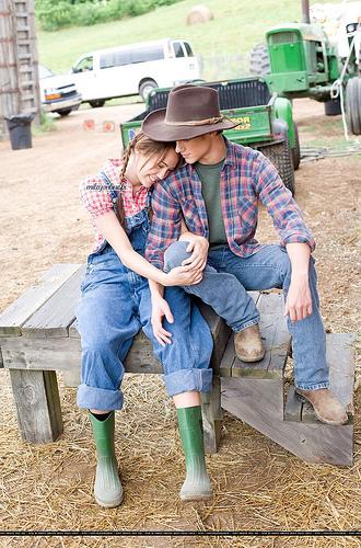 Miley Cyrus & Lucas Till | (c) ♥TwilightLover ...