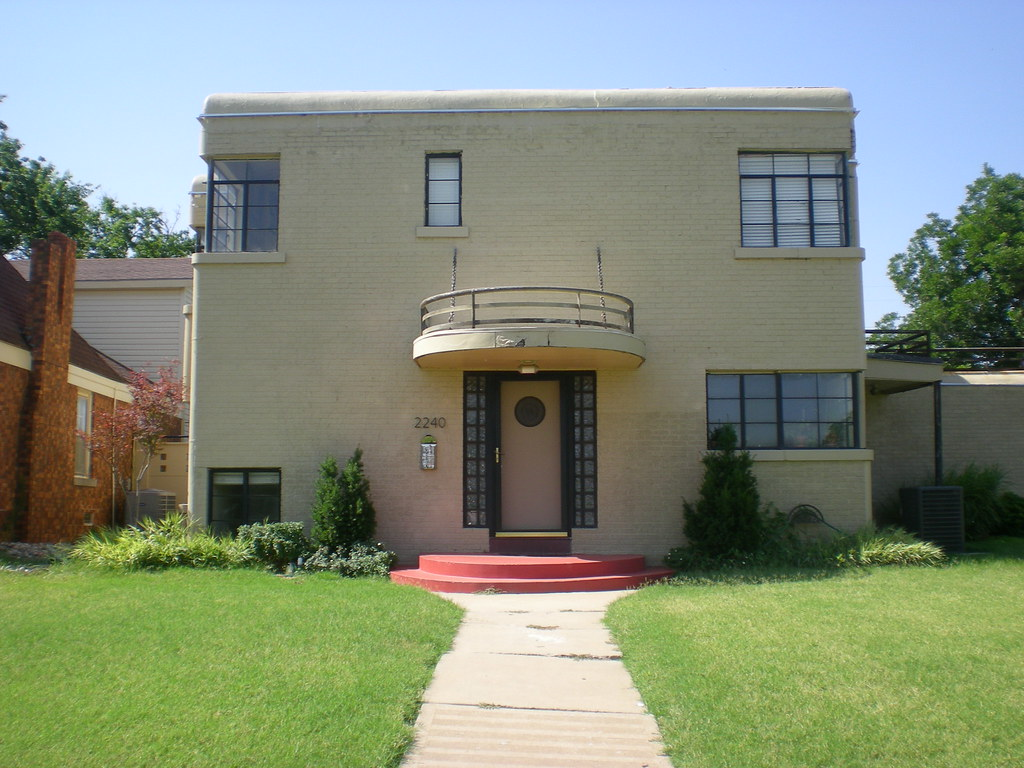 Art deco house nw 27th st oklahoma city oklahoma for Art deco house design