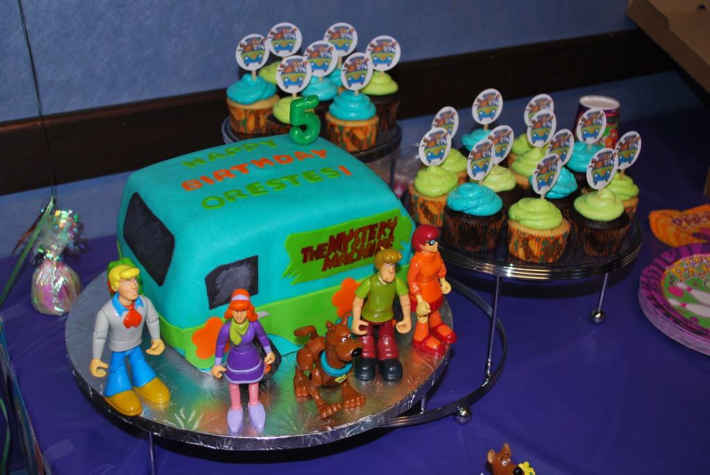 Scooby Doo Mystery Machine Cake Amp Cupcakes Birthday Cake