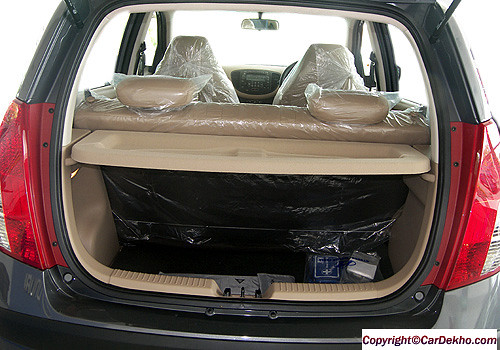 Hyundai i10 trunk open closer view Interior Photo | Hyundai … | Flickr