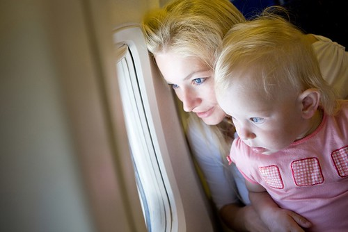 Vine-Vera-Cosmetics-How-to-Entertain-Kids-in-an-Airplane