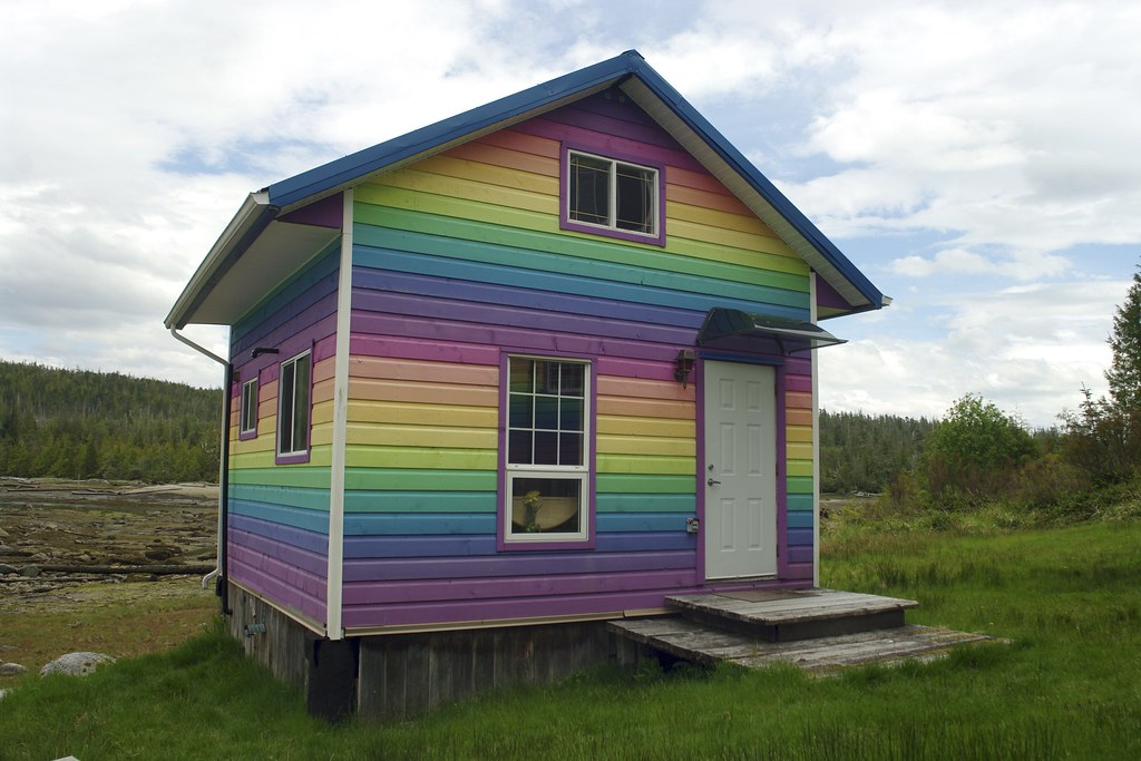 The Rainbow Guest House People Can Rent This Gorgeous