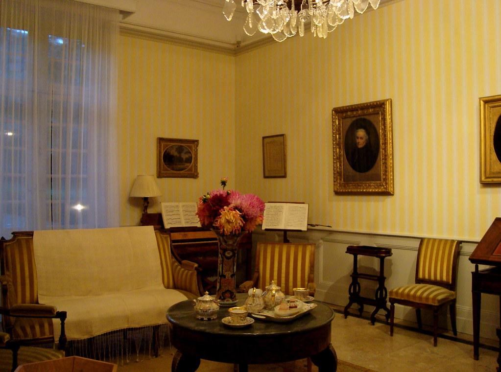 la maison du peintre ernest hebert c t de grenoble. Black Bedroom Furniture Sets. Home Design Ideas