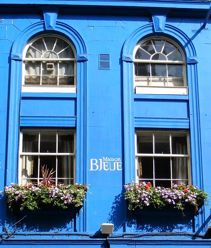 Edinburgh victoria street maison bleue bruno billion flickr - Maison bleue mobel ...
