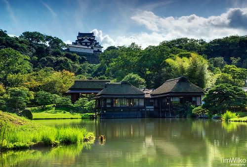 Hikone castle and tea house | by Tim Wilko