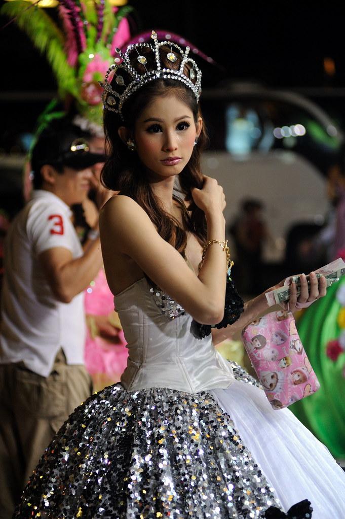 Ladyboy show phuket town-6821
