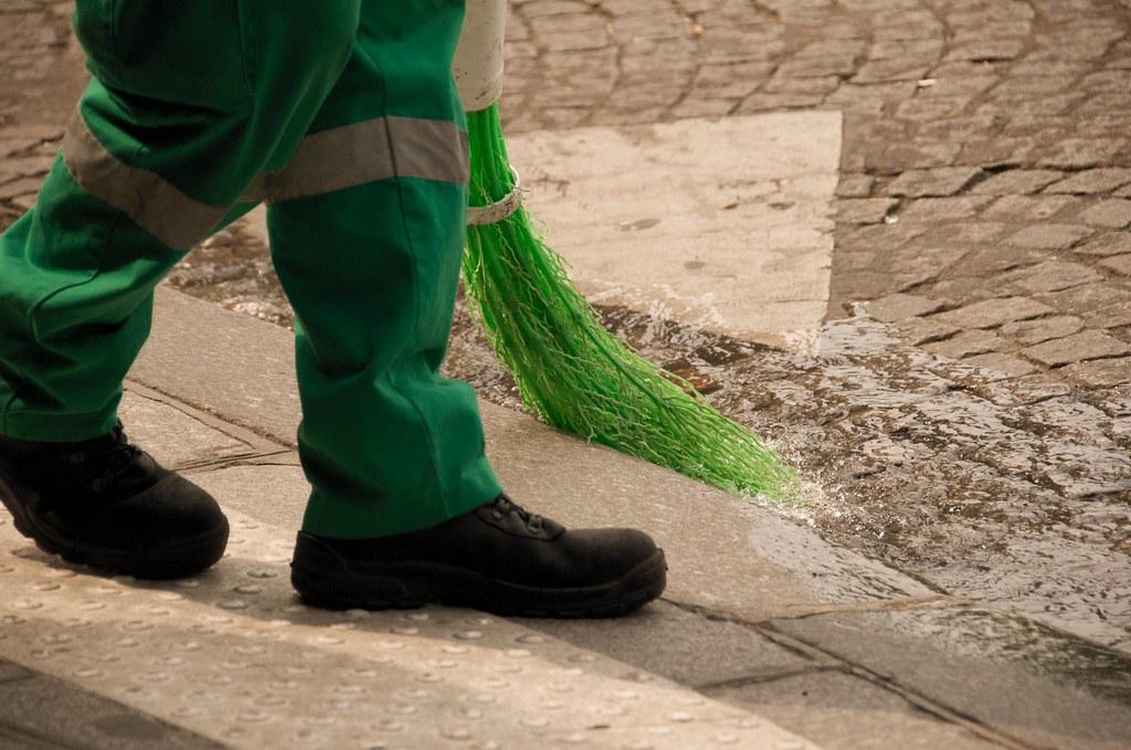 Mr Green Jeans With The Water Walking Shoes Kap Kangaroo