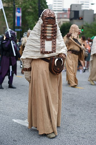 Tusken Raider at the Dragon*con 2009 Parade | by vladeb