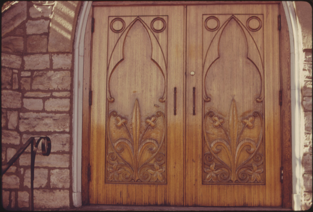 Hand Carved Front Doors Of Trinity Episcopal Church In Atc Flickr