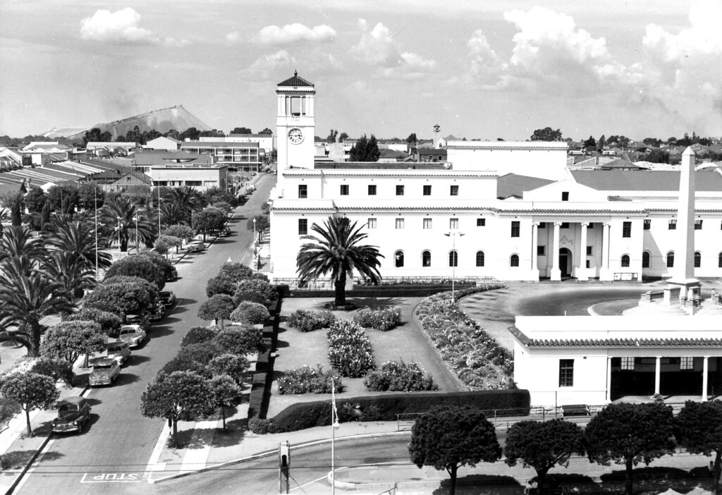 Brakpan Town Hall And Gardens Transvaal 1955 Id 61894 Hiltont Flickr