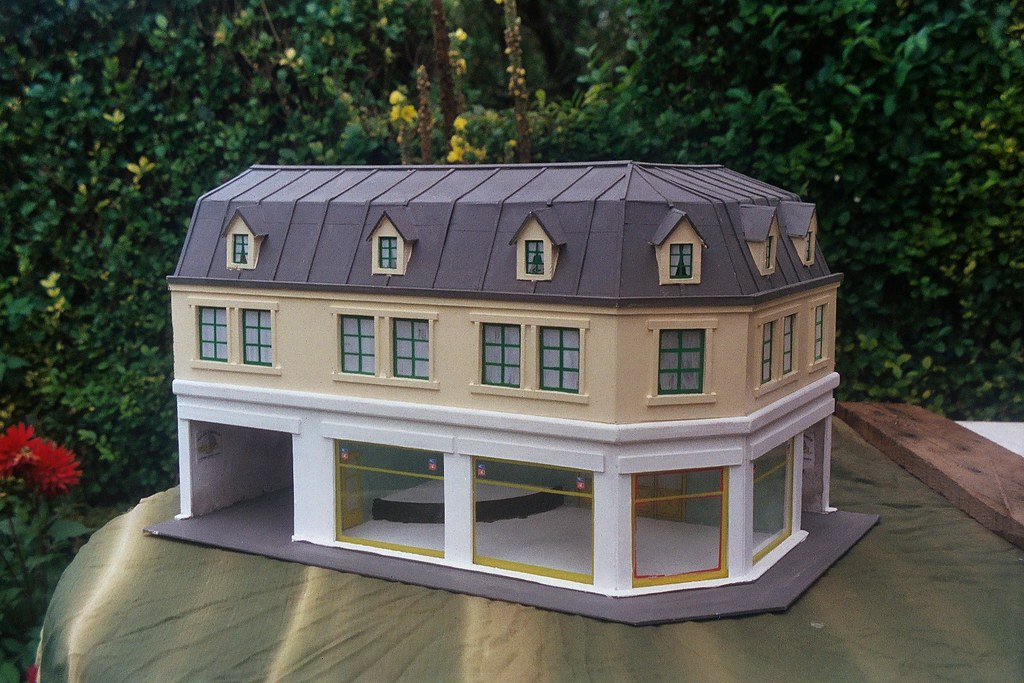 garage simca construction en carton et contreplaqu il flickr. Black Bedroom Furniture Sets. Home Design Ideas