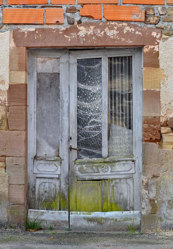 Derriere La Porte Verte Verte Moulue Assurement Ce Ves Flickr
