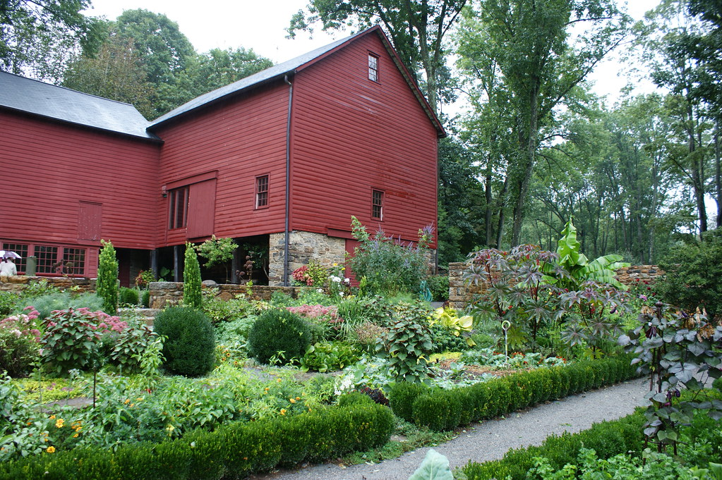 Red barn with vegetable garden (2) | Karl Gercens | Flickr
