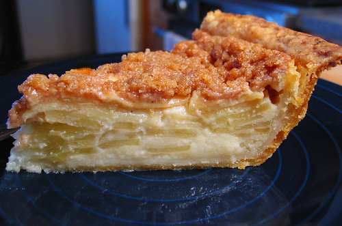 ... topping crème fraîche single-crusted apple pie | by sierravalleygirl