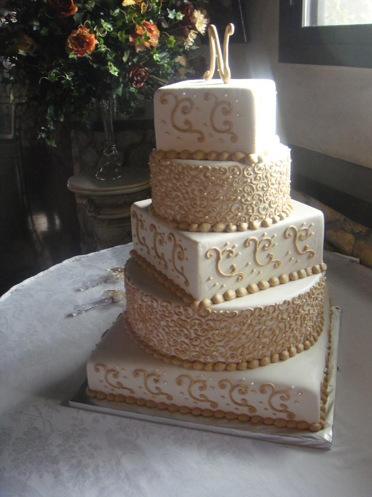 Almond Wedding Cake With Raspberry Filling Recipe