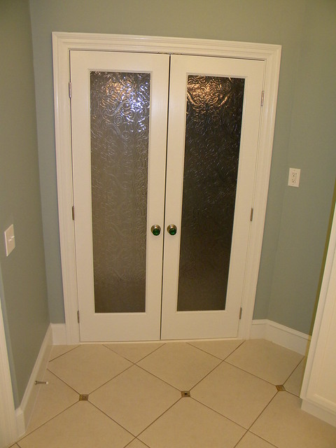 glass door entry very presenting to the open space i