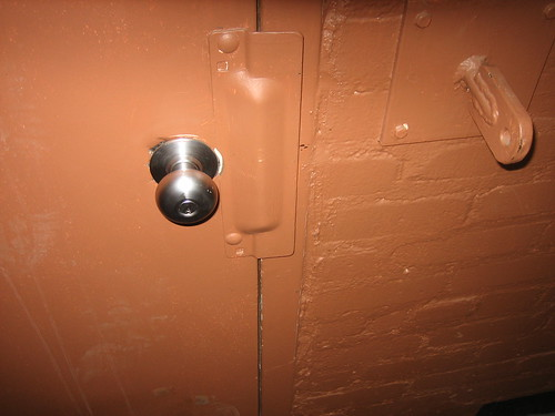 Step 5: the infamous door knob | by deejoe2k