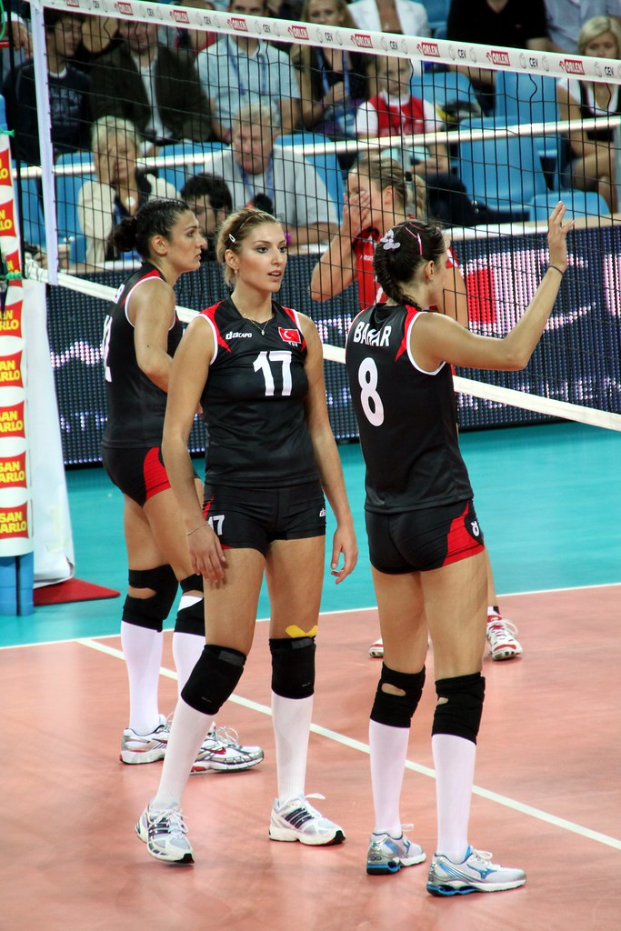17 neslihan demir turkish volleyball player - 5 9