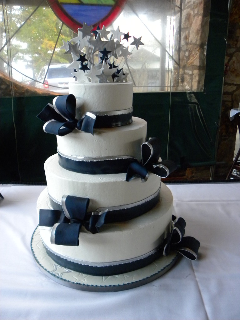dallas cowboys themed wedding cake s cake cheese iced cake with almond cake and 13318