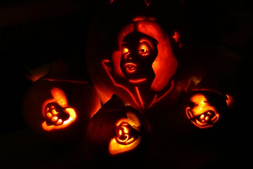 Snow White Jack-o-Lanterns | by Alesa Dam