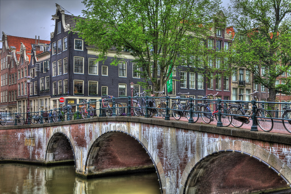 how to get laid in amsterdam