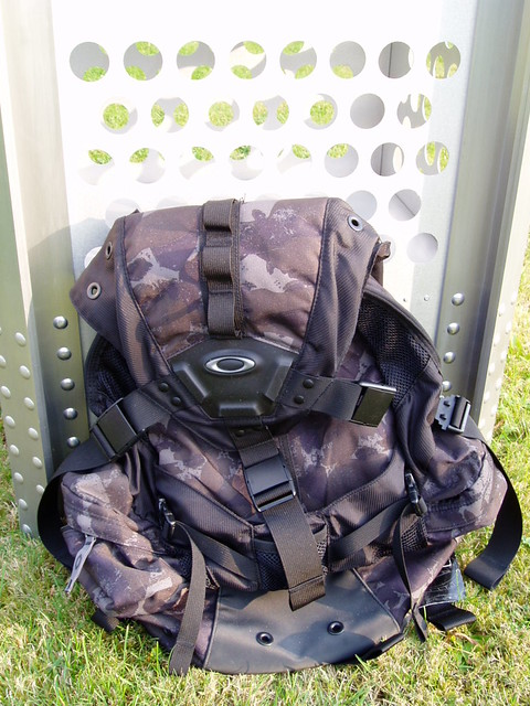 oakley bags australia 7e4c  oakley camo backpack