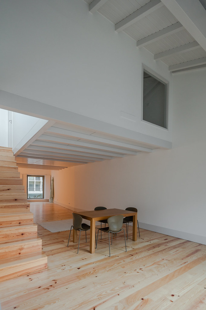 Duplex flat design in Porto by Portuguese architectural studio PF Arch Sundeno_03