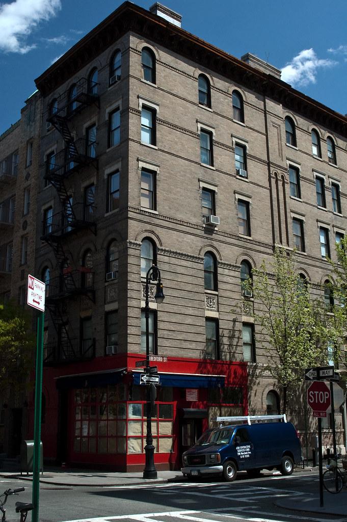 The street corner of the Friends sitcom building, New York ...