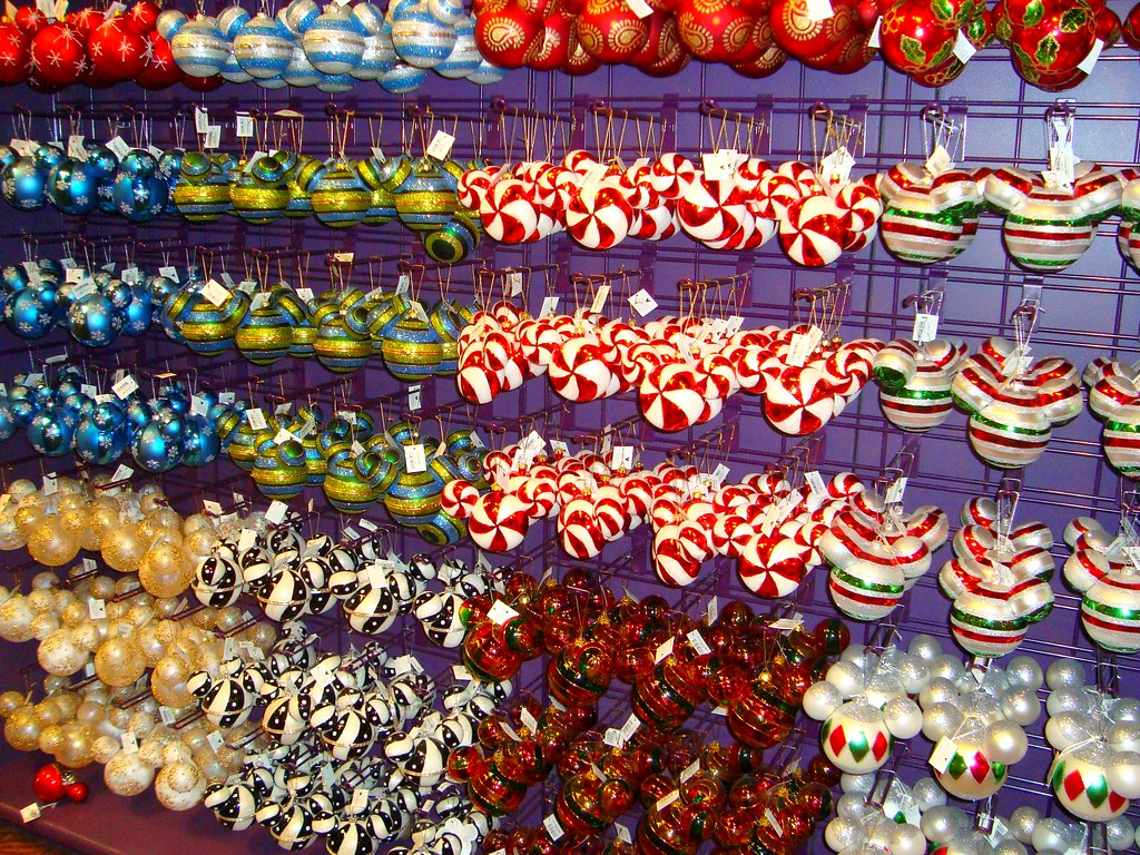 Downtown Disney | 'Disney's Days of Christmas' store, at Dow… | Flickr