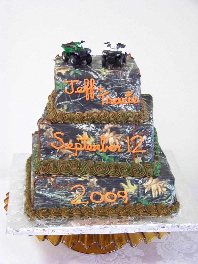 Mossy Oak Wedding Cake