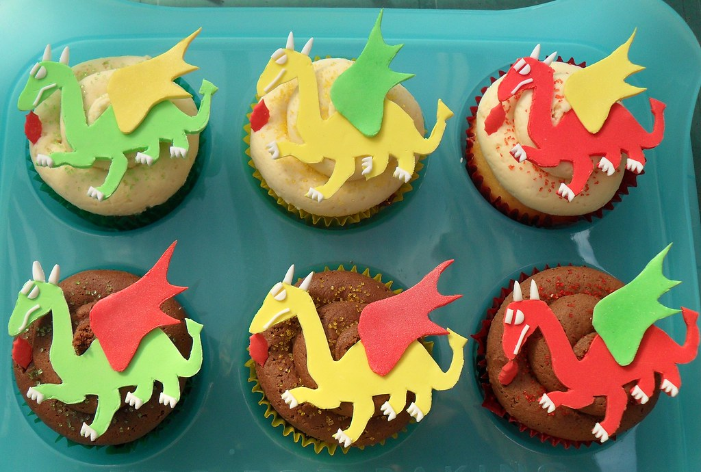 Dragon Cupcakes Made For Alex Who Turned 10 Who Loves