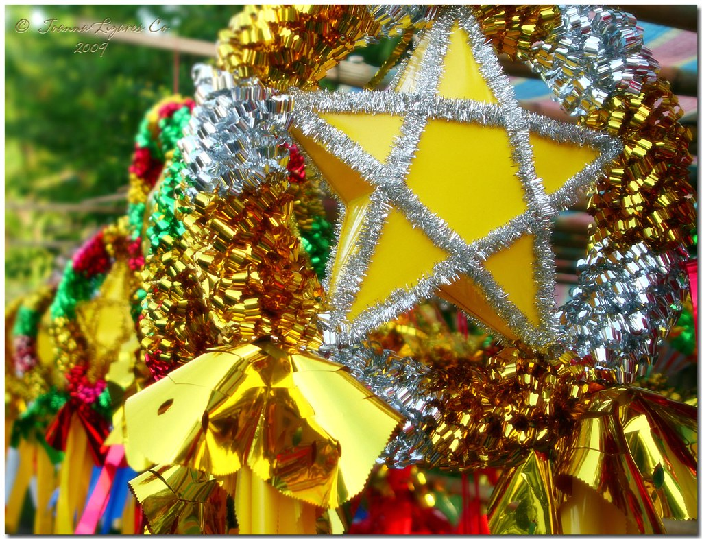 The Filipino Christmas Parol  Though not strictly a custom,…  Flickr
