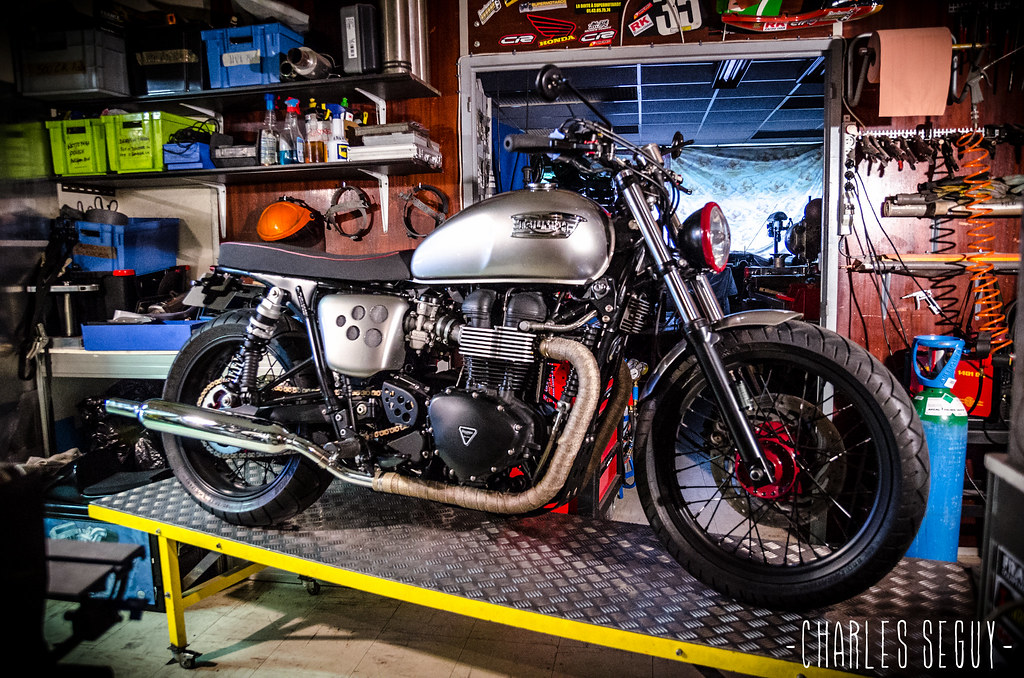 raspo custom garage triumph bonneville t100 brat style