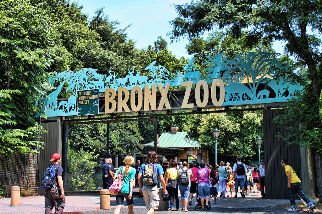 bronx zoo asia gate entrance the largest metropolitan zoo flickr. Black Bedroom Furniture Sets. Home Design Ideas