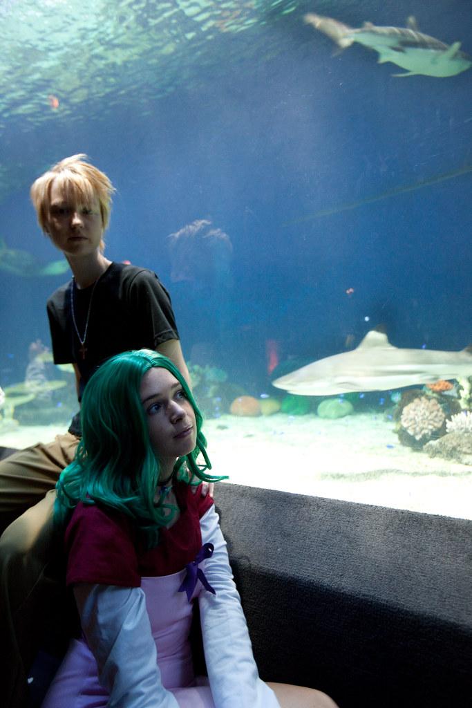 Aquarium date. Cute couple. On my bucket list♥ More