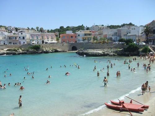 Summer beach scene santa maria al bagno spencer 39 s - B b santa maria al bagno ...