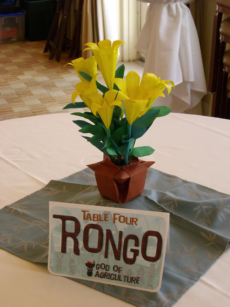 A Wedding Shot Origami Centerpiece And Enchanted Tiki Roo Flickr