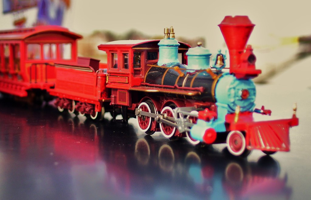 N Scale Cp Huntington Amusement Park Train With
