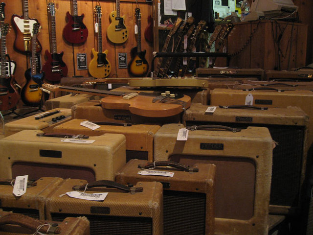 hollywood guitar center vintage amps 2010 by dan coplan flickr. Black Bedroom Furniture Sets. Home Design Ideas