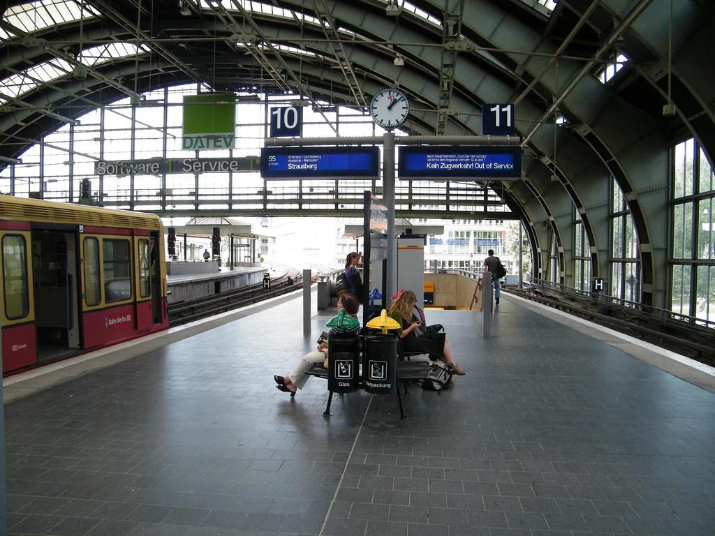 endstation berlin ostbahnhof w hrend der berliner chaostag flickr. Black Bedroom Furniture Sets. Home Design Ideas