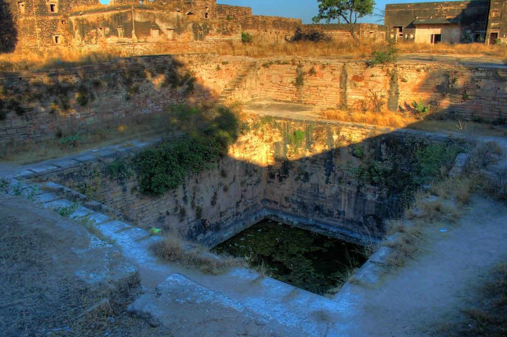 Jauhar Kund | It is a very deep tank where the women of ...