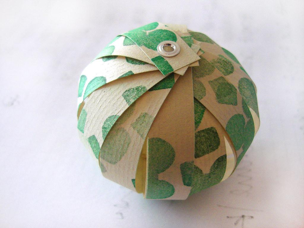 Paper lantern tutorial found here thecreativeplace for Paper lantern tutorial