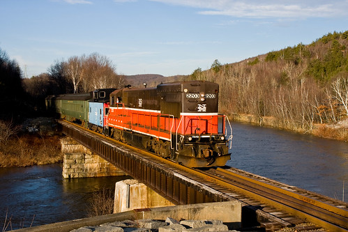 NAUG 2203 at Chase Bridge | by Naugatuck Railroad