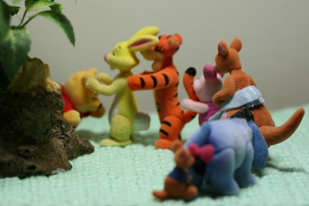 Pooh S Friendly Places 10 Don T Feed The Bear Pooh Is