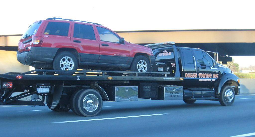 Ford F650 flatbed | Hauling a Jeep Cherokee and a Chevy ...