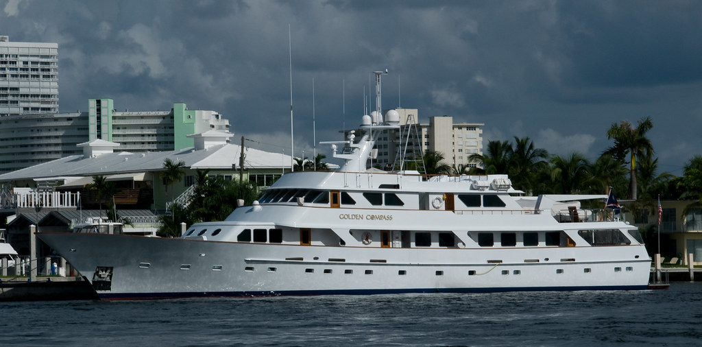 Motor Yacht The Golden Compass 17th Street Bridge
