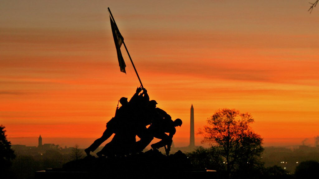 Marine Corps War Memorial - Iwo Jima Memorial | Sunrise at ...