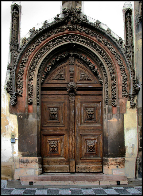 Gothic door old town hall star m sto prague 1 flickr for Door z prague