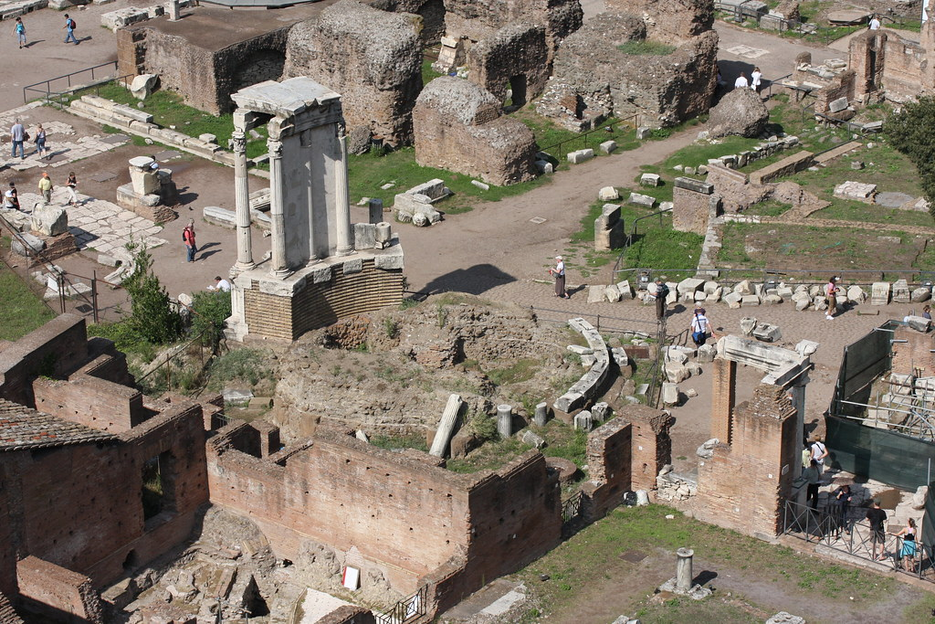 Temple of Vesta, Forum Romanum | Circular foundations of ...