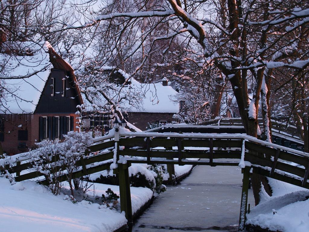 Winter In Giethoorn Binnenpad Dorpsgracht Giethoorn Op